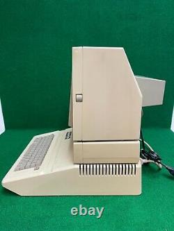 Original Vintage Apple IIe 2e computer system with DOS 3.3 and Sample programs