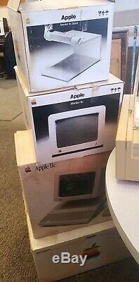 Rare 1985 Apple IIc Computer System A2S4000 Bundle with original boxes